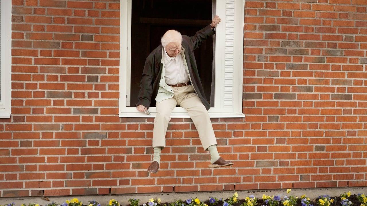 Hundraåringen som klev ut genom fönstret och försvann